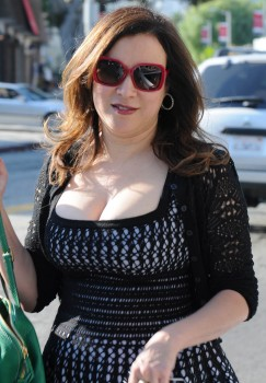 jennifer tilly mega cleavage