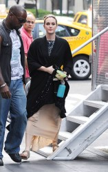 Leighton Meester On The Set Of Gossip Girl In NYC August 21, 2012 HQ x 7