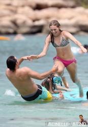 3 Septiembre - Peter Facinelli se lo pasa en grande con sus hijas en Hawaii  58df48208703606